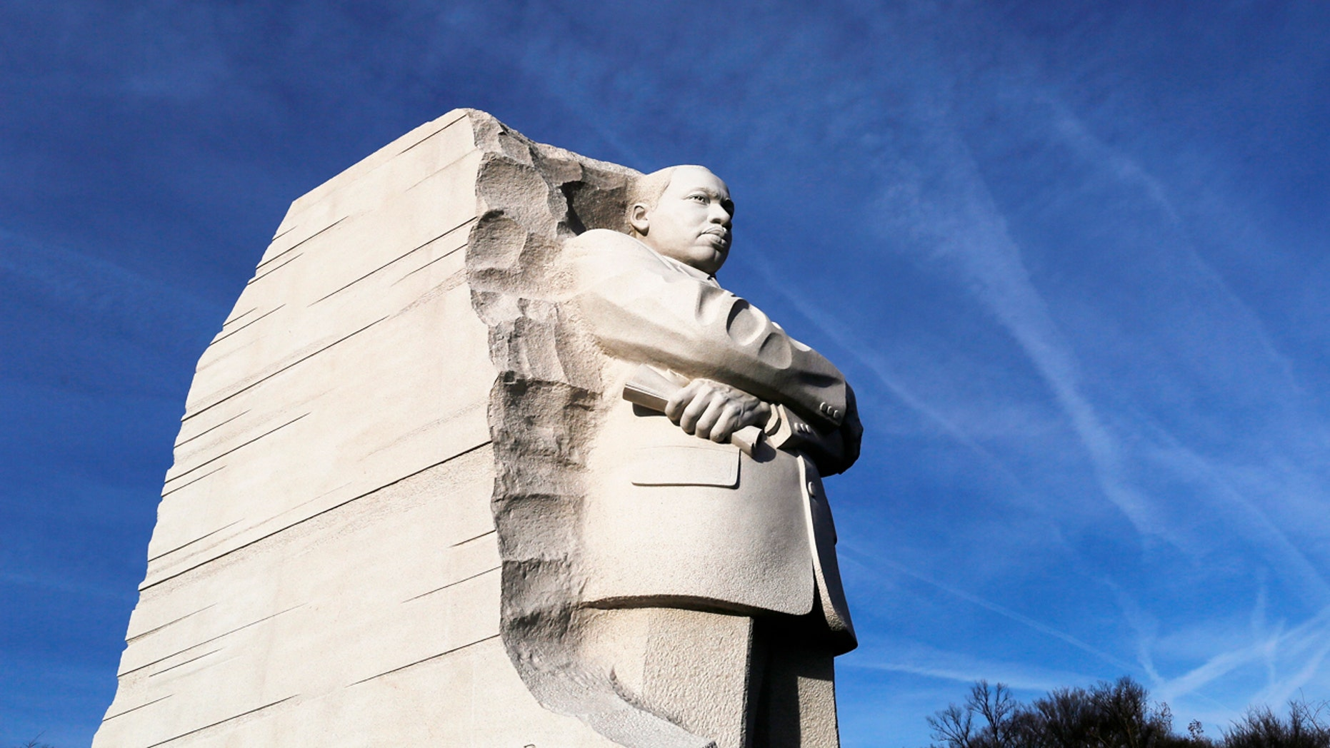 A general view of the Martin Luther King Jr. Memorial on the U.S. national holiday in his honor, in Washington, January 20, 2014. King, the civil rights leader who 50 years ago received the Nobel Peace Prize, was assassinated in Memphis, Tennessee in 1968. He was born on January 15, 1929, and the holiday commemorating his birth was enacted in the mid 1980s.  REUTERS/Jonathan Ernst    (UNITED STATES - Tags: ANNIVERSARY POLITICS) - RTX17N5S
