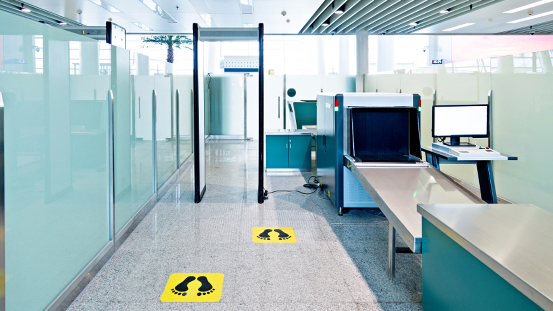 One traveler didn't understand the difference between the two airport x-ray machines.