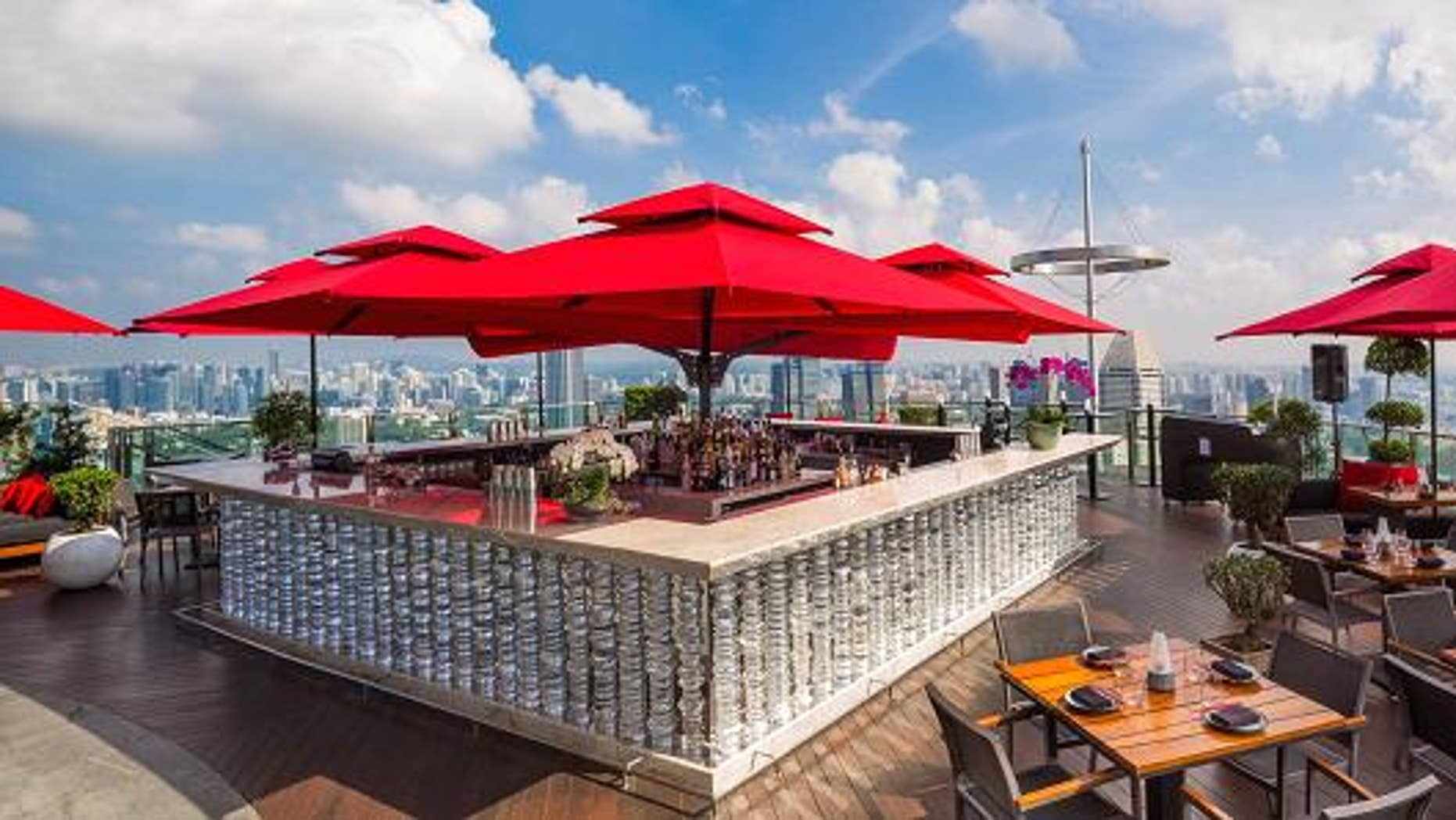 Cê La Vi Sky Bar in Singapore is offering one of the most expensive luxury meal packagers ever.