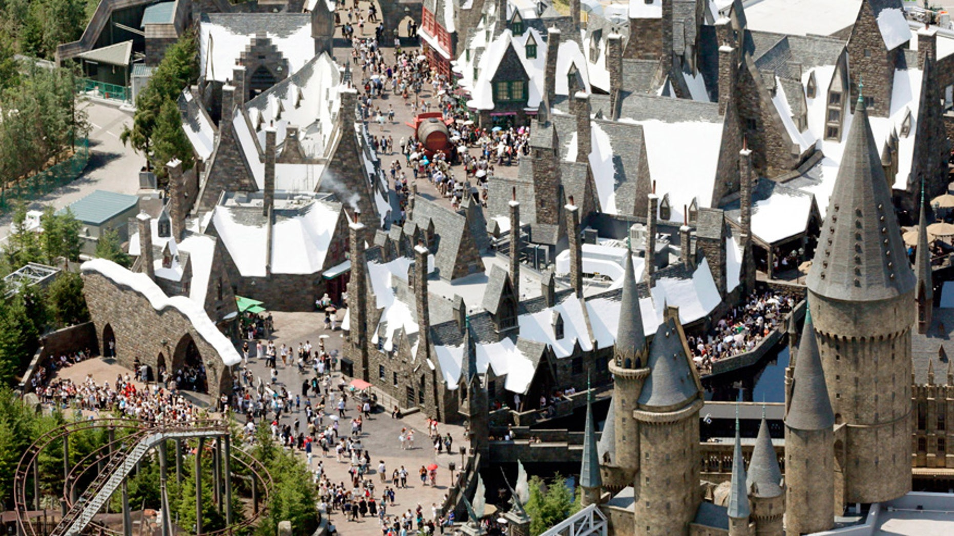 """Japan's Wizarding World of Harry Potter announced that """"dementors"""" are about to invade the theme park."""