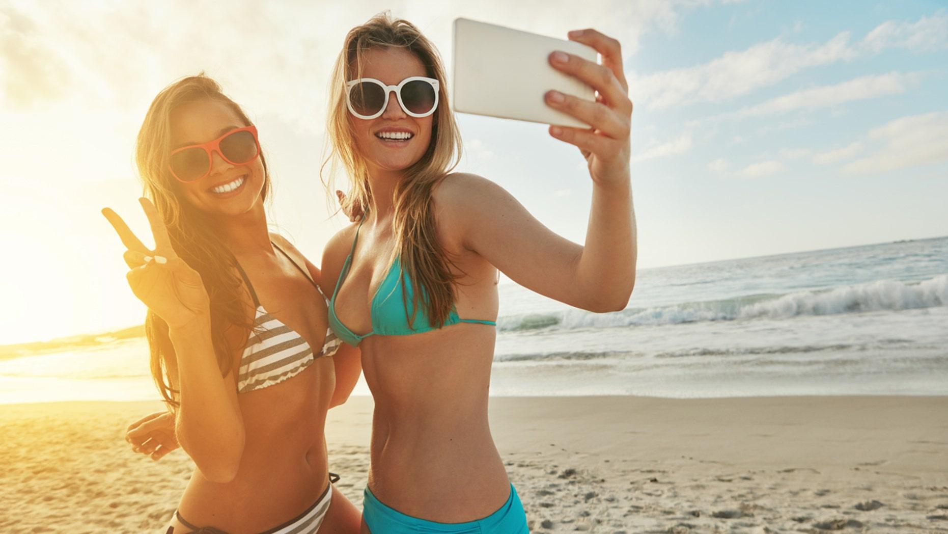 bikini pizza montaggio video free