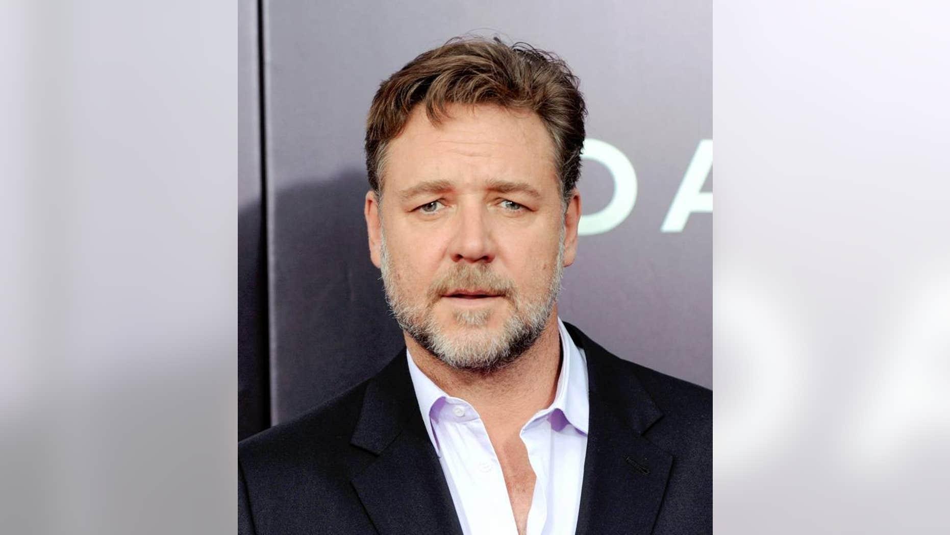 Russell Crowe has bone to pick with Virgin Australia.