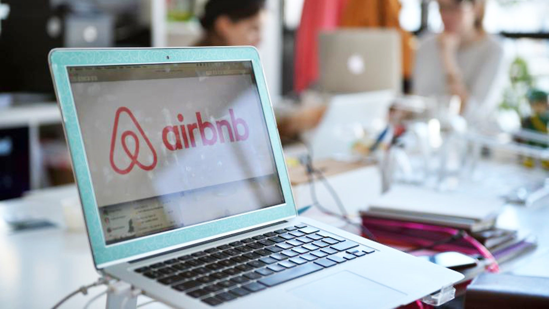 New York lawmakers announced a new bill Tuesday that would regulate Airbnb and other home-sharing sites within the state.