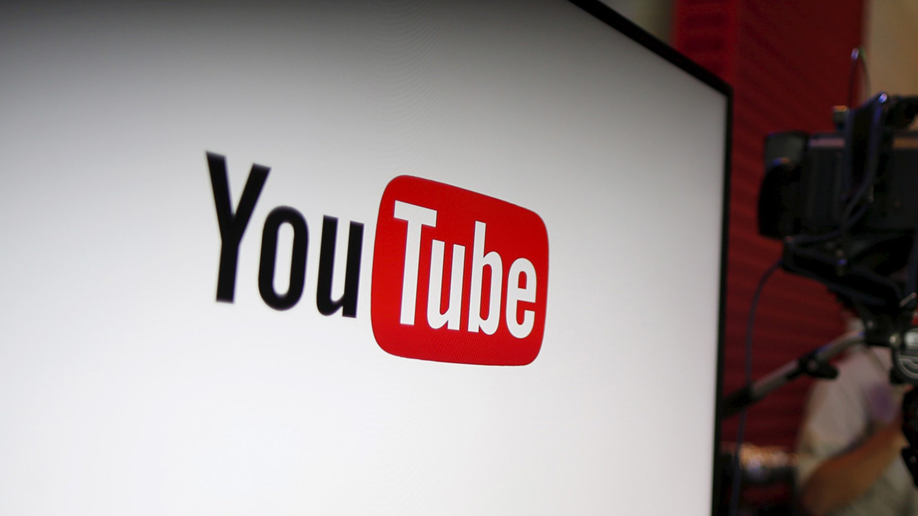 YouTube unveils their new paid subscription service at the YouTube Space LA in Playa Del Rey, Los Angeles, California, United States October 21, 2015. Alphabet Inc's YouTube will launch a $10-a-month subscription option in the United States on October 28 that will allow viewers to watch videos from across the site without interruption from advertisements, the company said on Wednesday.  REUTERS/Lucy Nicholson - GF20000027092