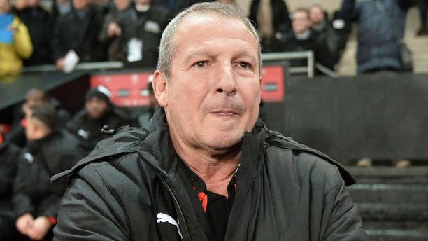 Rennes' French coach Rolland Courbis looks on before the French L1 football match between Rennes (Stade Rennais FC) and Ajaccio (GFC ) on January 22, 2016, at the Roazhon Park in Rennes, northwestern France. AFP PHOTO / JEAN-FRANCOIS MONIER / AFP / JEAN-FRANCOIS MONIER (Photo credit should read JEAN-FRANCOIS MONIER/AFP/Getty Images)
