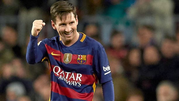 BARCELONA, SPAIN - JANUARY 06: Lionel Messi of Barcelona celebrates scoring his team's second goal during the Copa del Rey Round of 16 match between FC Barcelona and Real CD Espanyol at Camp Nou on January 6, 2016 in Barcelona, Spain. (Photo by Manuel Queimadelos Alonso/Getty Images)