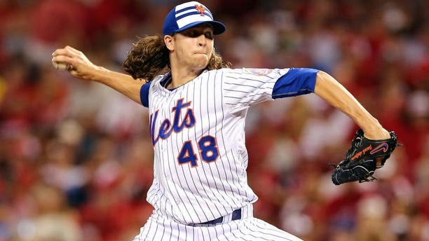 CINCINNATI, OH - JULY 14: National League All-Star Jacob deGrom #48 of the New York Mets throws a pitch in the sixth inning against the American League during the 86th MLB All-Star Game at the Great American Ball Park on July 14, 2015 in Cincinnati, Ohio. (Photo by Elsa/Getty Images)