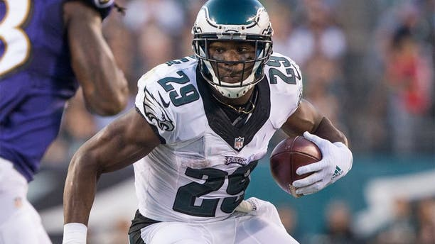 Aug 22, 2015; Philadelphia, PA, USA; Philadelphia Eagles running back DeMarco Murray (29) runs with the ball against the Baltimore Ravens during the first quarter at Lincoln Financial Field. Mandatory Credit: Bill Streicher-USA TODAY Sports