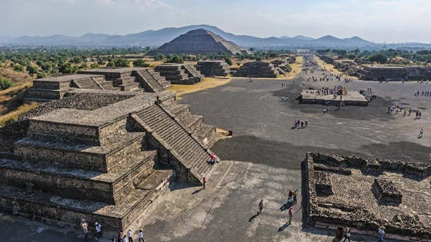 View of the Avenue of the Dead, Pre-Hispanic City of Teotihuacan, UNESCO World Heritage Site; Shutterstock ID 144086935; Project/Title: Mexico's Most Amazing Ruins slideshow; Downloader: Melanie Marin