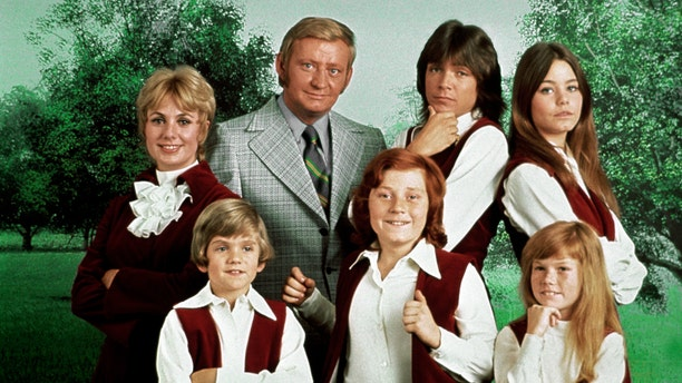 "This 1970 photo released by courtesy of Sony Pictures Television shows, back row, from left, cast members, Shirley Jones, Dave Madden, David Cassidy, Susan Dey, and front row, from left, Brian Forster, Danny Bonaduce and Suzanne Crough of the television series, ""The Partridge Family."" Madden, who played the child-hating agent on the hit 1970s sitcom, died in Florida on Thursday, Jan. 16, 2014, at age 82. (AP Photo/Copyright CPT Holdings Inc, Courtesy Sony Pictures Television)"