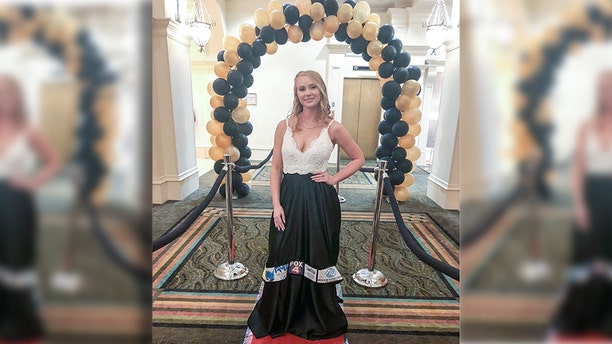 One thoughtful Florida teen gave back to her local community in a creative way on prom night.