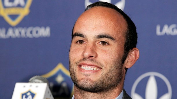 Los Angeles Galaxy forward Landon Donovan signed a multiyear contract extension on August 29, 2013, keeping the high-scoring U.S. national team star with his MLS club. (AP Photo/Nick Ut)