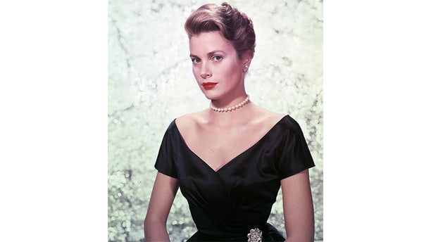 """Grace Kelly promoting """"The Country Girl."""""""