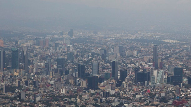 Mexico City covered in smog on March 18, 2016.