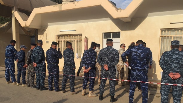 Italian army soldiers train Iraqi counterterrorism forces guarding Mosul Dam