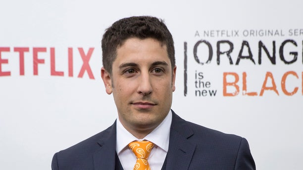 Jason Biggs shared on Instagram Thursday that he's one year sober.