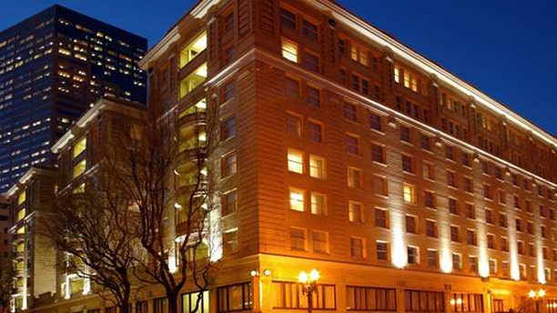 Welcome to the Embassy Suites Hotel Portland-Downtown.
