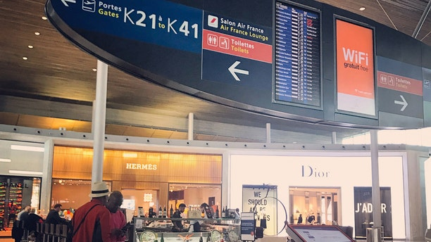 A homeless man swiped two bags filled with 300,000 euros from the Charles de Gaulle Airport in Paris, France.