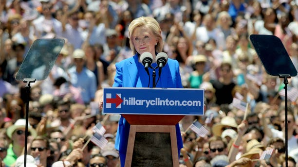 Photo by: Dennis Van Tine/STAR MAX/IPx 6/13/15 Hillary Clinton campaigns at Roosevelt Island. (NYC)