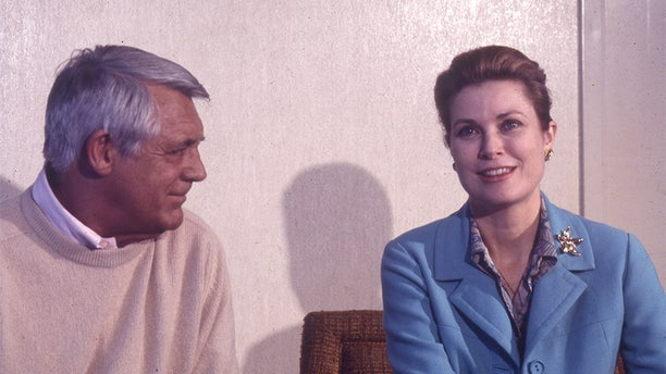 Grace Kelly with Cary Grant.