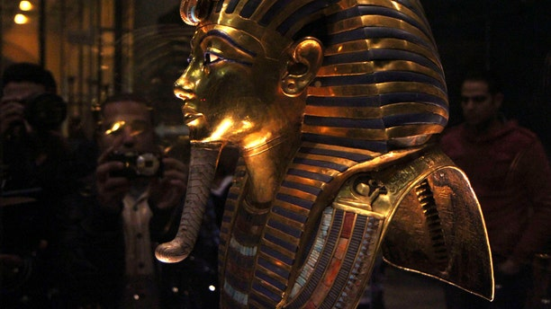 File photo - The golden mask of Pharaoh Tutankhamen is seen on display at the Egyptian Museum in Cairo, January 24, 2015. (REUTERS/Al Youm Al Saabi Newspaper)