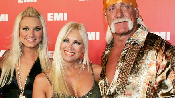 Brooke, Linda and Hulk Hogan in 2006.