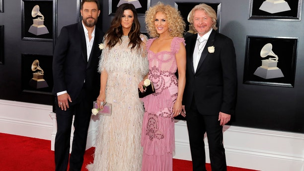 From l-r: Karen Fairchild, Jimi Westbrook, Kimberly Schlapman and Phillip Sweet of Little Big Town.