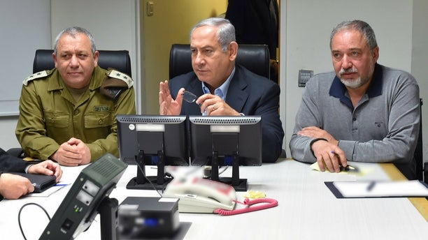 Chief of General Staff of the Israeli Defense Forces Gadi Eizenkot, Israeli Prime Minister Benjamin Netanyahu and Defense Minister Avigdor Lieberman meet.