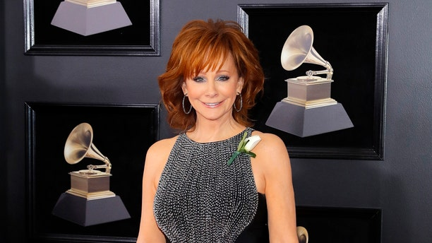 60th Annual Grammy Awards – Arrivals – New York, U.S., 28/01/2018 – Reba McEntire. REUTERS/Andrew Kelly - HP1EE1S1N57MR