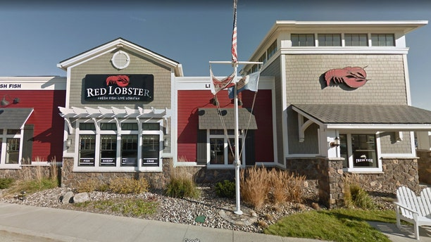 A Red Lobster in Rochester, Minn. is under fire for allegedly discriminating against a Muslim family.