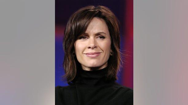 "Elizabeth Vargas, co-host of ABC's ""World News Tonight"", attends the Television Critics Association press tour in Pasadena, California January 21, 2006."