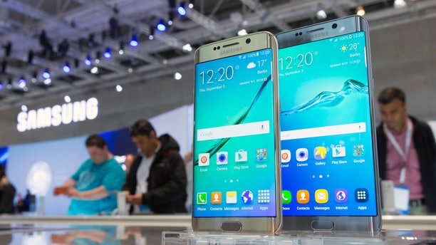 Samsung smartphones Galaxy S6 edge+ are pictured at the consumer electronics trade fair IFA in Berlin, Germany. (REUTERS/Hannibal Hanschke)