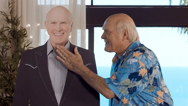 """Terry Bradshaw says he didn't have a problem pronouncing """"pneumococcal"""" during a four-hour commercial shoot."""