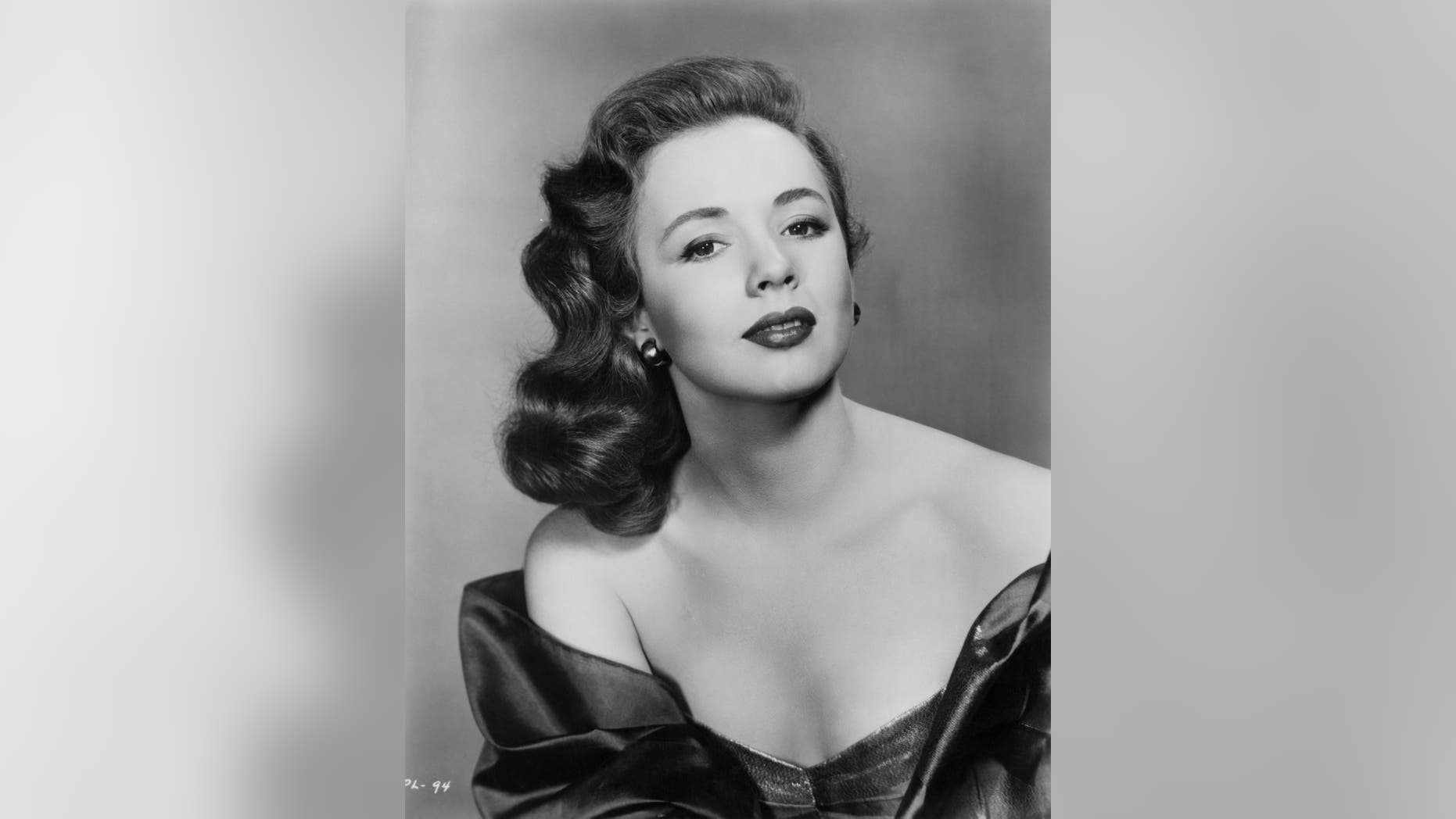 American actress Piper Laurie in a promotional portrait, circa 1954.