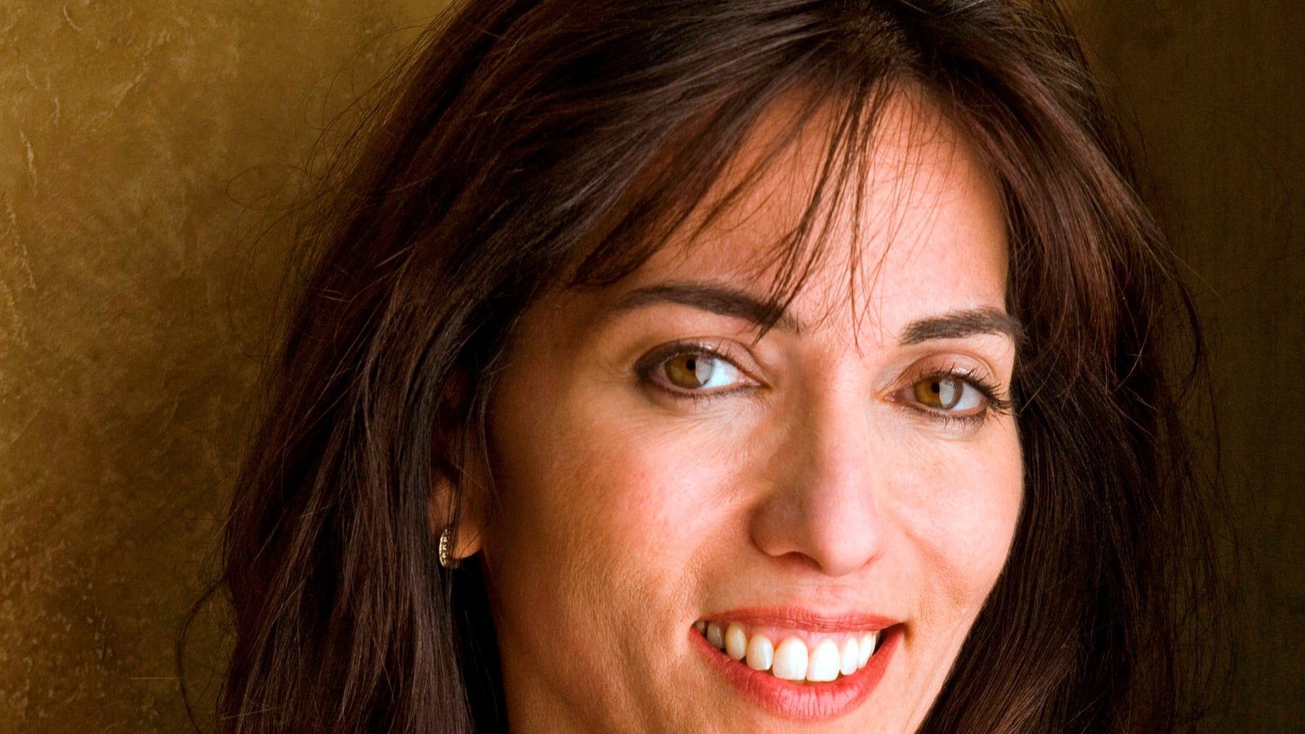 "This undated image released by United Talent Agency shows writer/director Audrey Wells. Wells, who wrote and directed the 2003 romantic comedy ""Under the Tuscan Sun,"" has died after a five-year battle with cancer. A representative from United Talent Agency says Wells passed away Thursday, Oct. 4, 2018. She was 58."