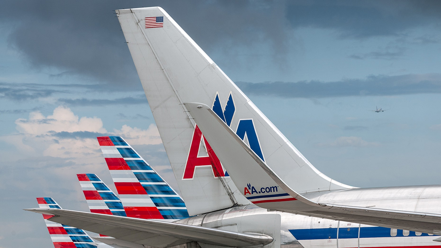 An American Airlines passenger claimed her suitcase had been robbed, but it turns out she just took the wrong one.