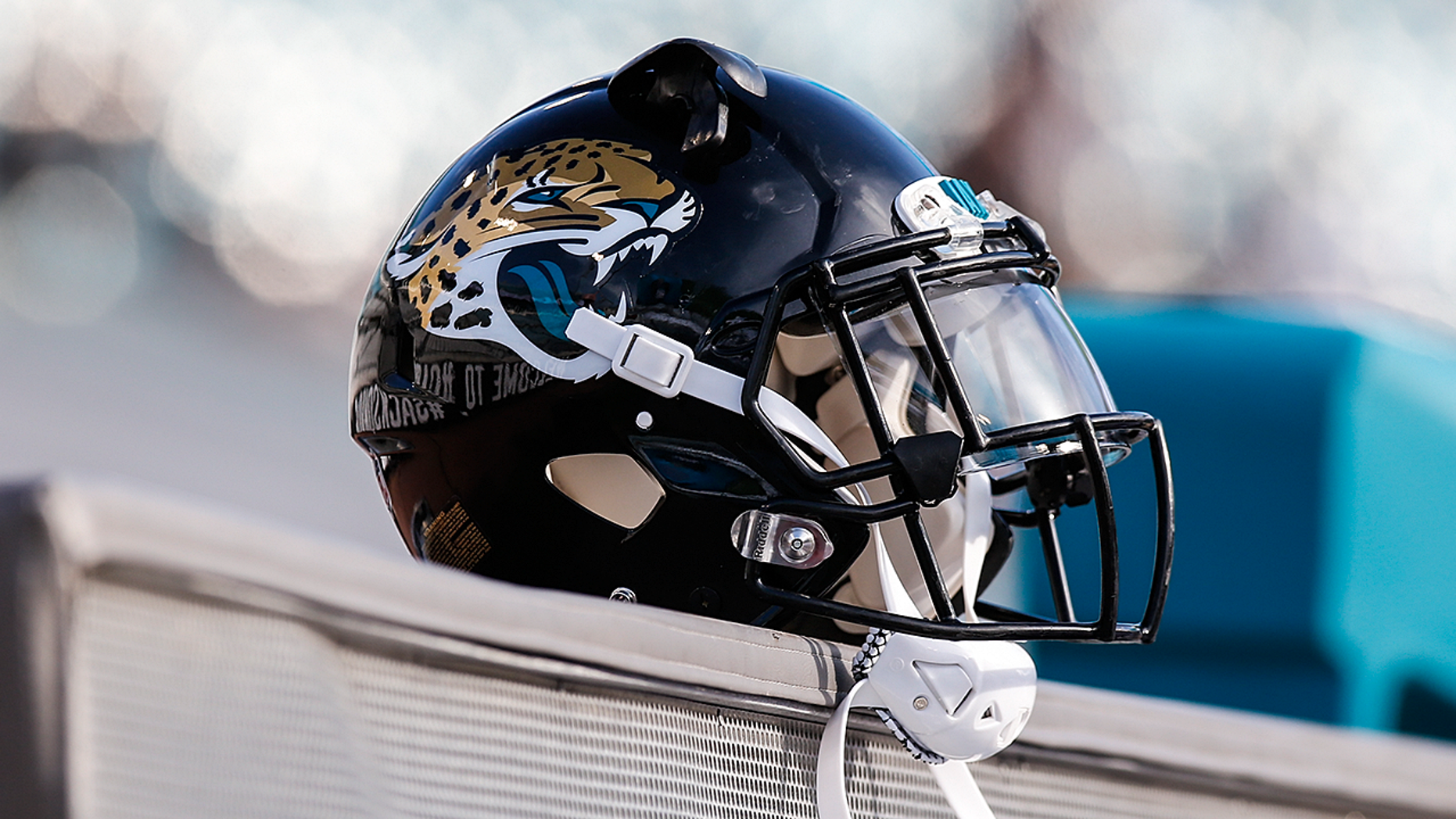Four Jacksonville Jaguars players detained ahead of NFL game in London – Trending Stuff
