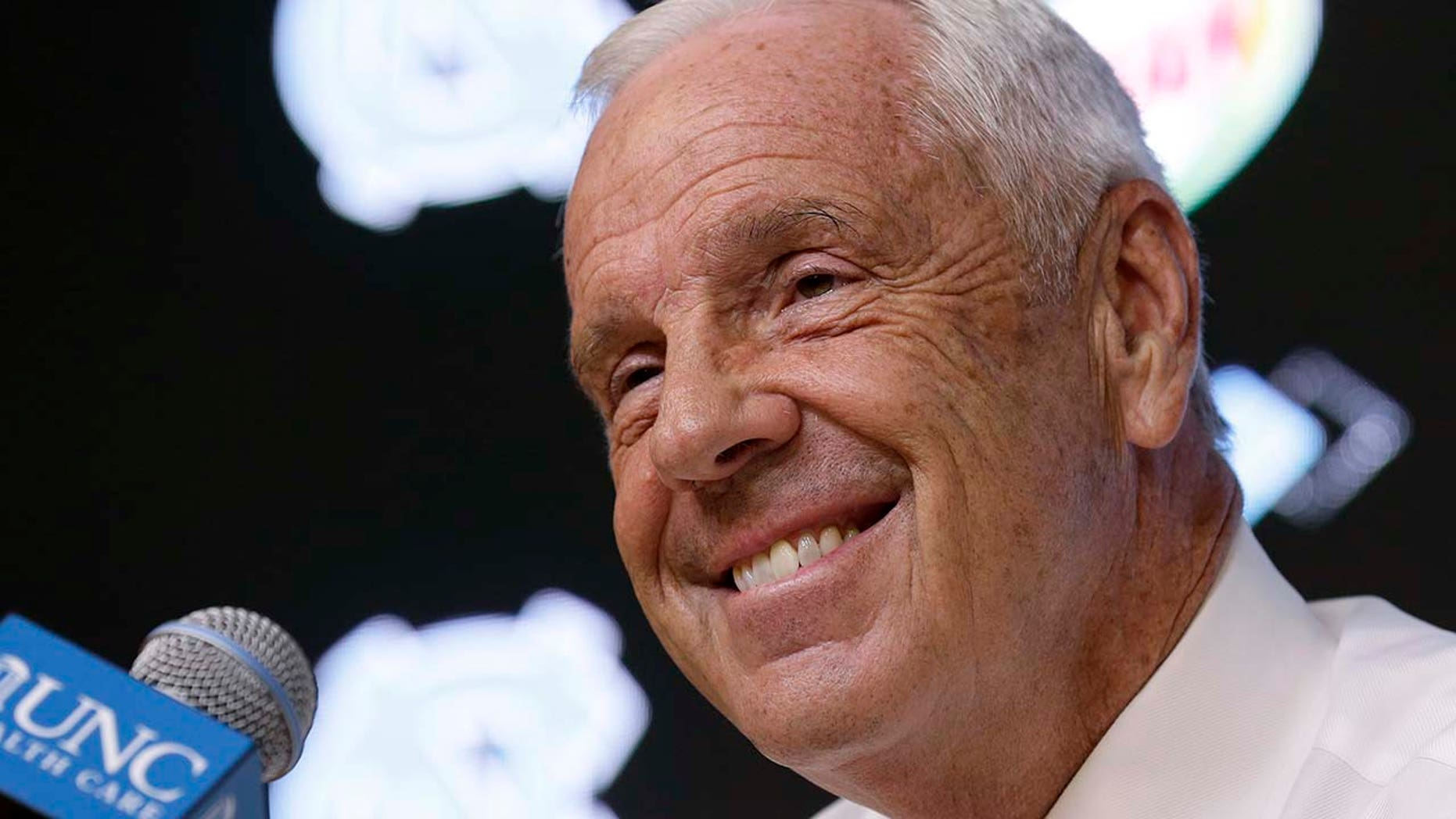 North Carolina coach Roy Williams speaks to reporters during the team's NCAA college basketball media day in Chapel Hill, N.C., Oct. 9, 2018.