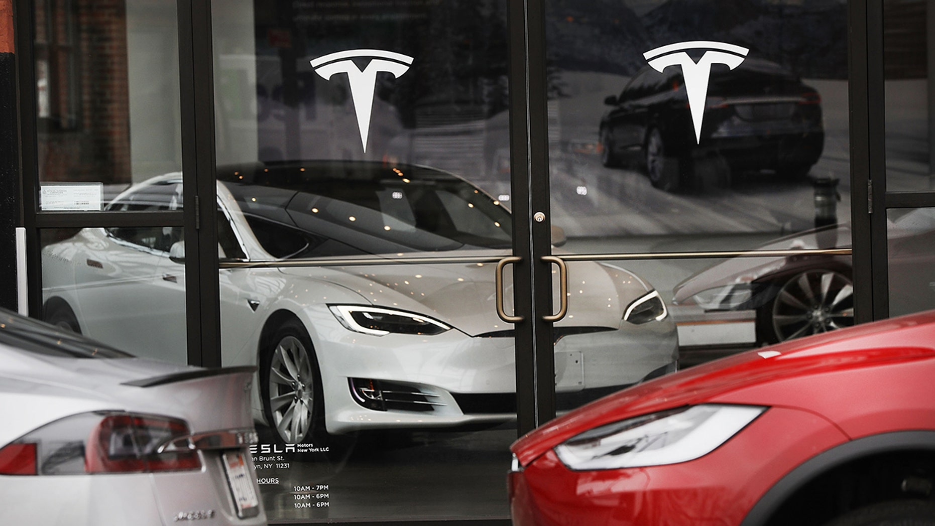 Tesla Says Full Tax Credit Will Be Available On Cars Ordered By Oct
