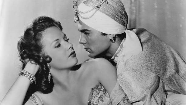 """American actress, Piper Laurie, then only 18, with Tony Curtis in """"The Prince Who was a Thief."""""""