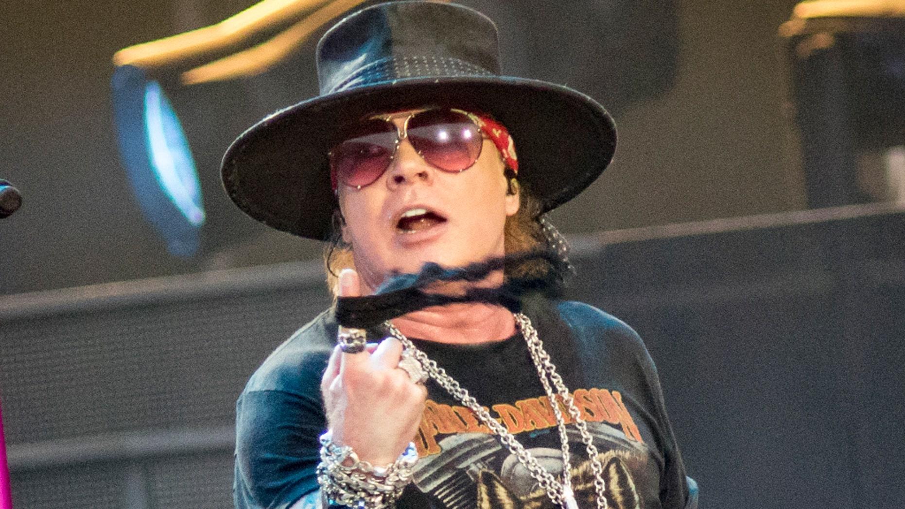 "Guns N' Roses frontman Axl Rose slammed the Trump campaign in a tweetstorm on Sunday.<br data-cke-eol=""1"">"