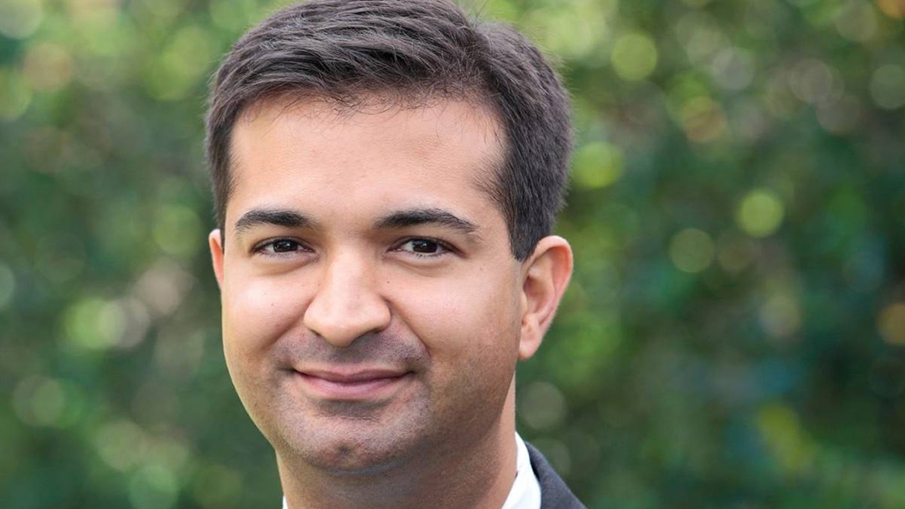 Florida Rep. Carlos Curbelo met with a 19-year-old who threatened to kill him and publicly forgave him.