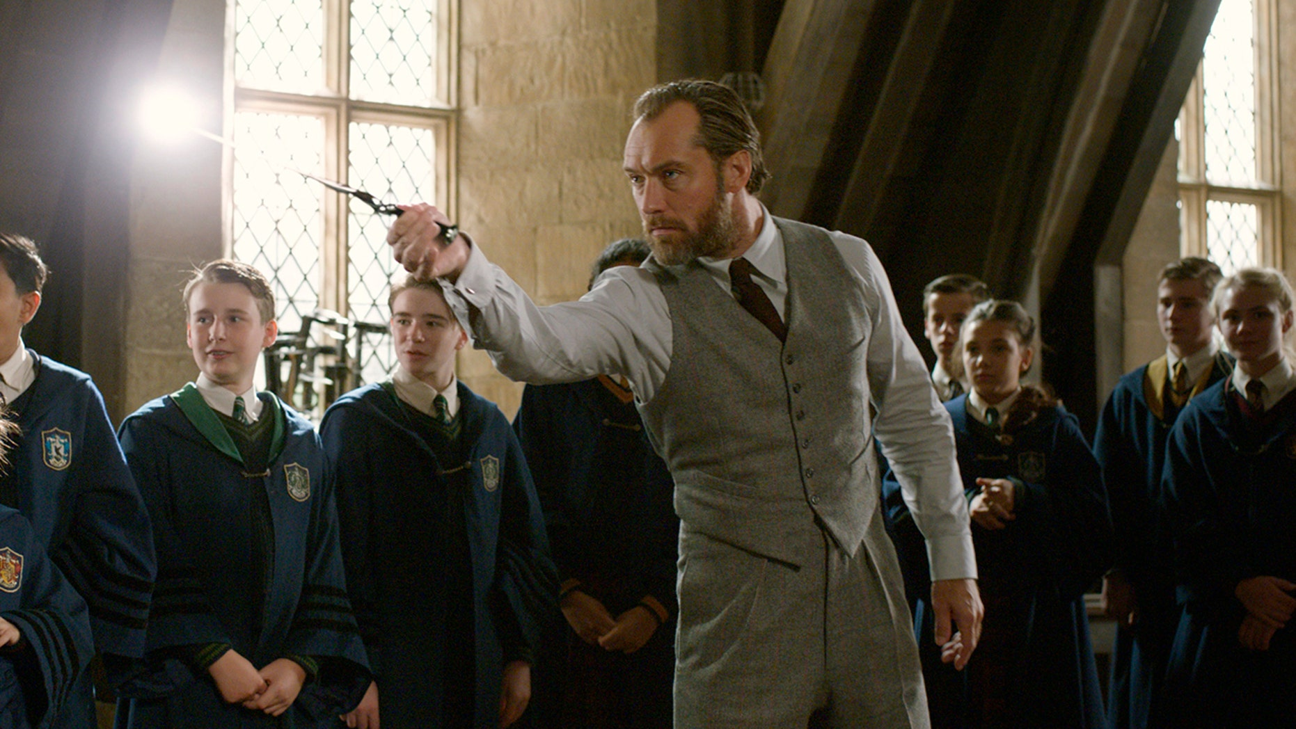 """This image released by Warner Bros. Pictures shows Jude Law in a scene from """"Fantastic Beasts: The Crimes of Grindelwald."""""""