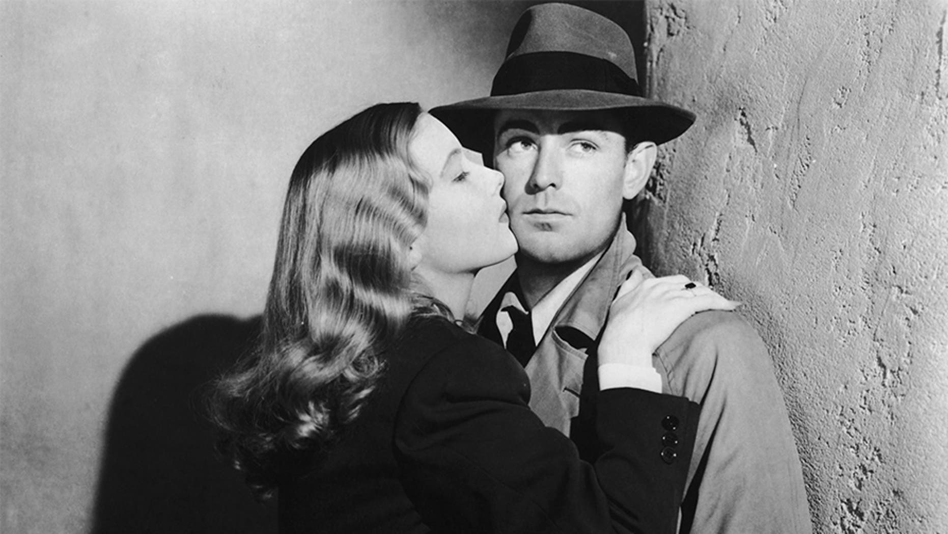Veronica Lake (1919 - 1973) and Alan Ladd (1913 - 1964) star in the film-noir 'This Gun For Hire', 1942.