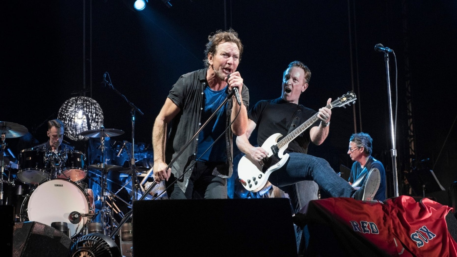 """Pearl Jam's hit song """"Jeremy"""" was inspired by a Texas teenager who shot himself in front of his classmates in 1991."""