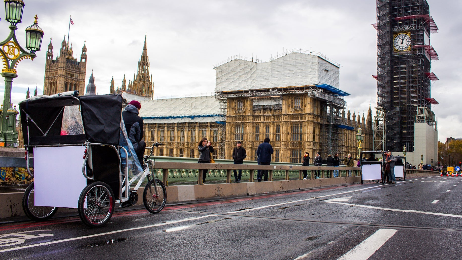 Taco Bell infused its own chimes with that of Big Ben, which has been silent since 2017, and played it on speakers hidden in rickshaws driven around the city.