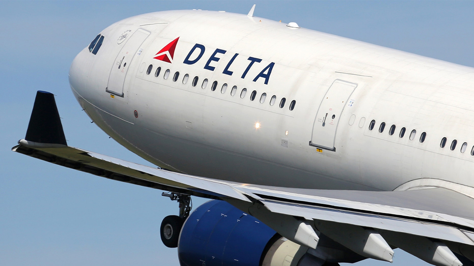 A Delta passenger claims the pilot of his flight hit on him using Grindr.