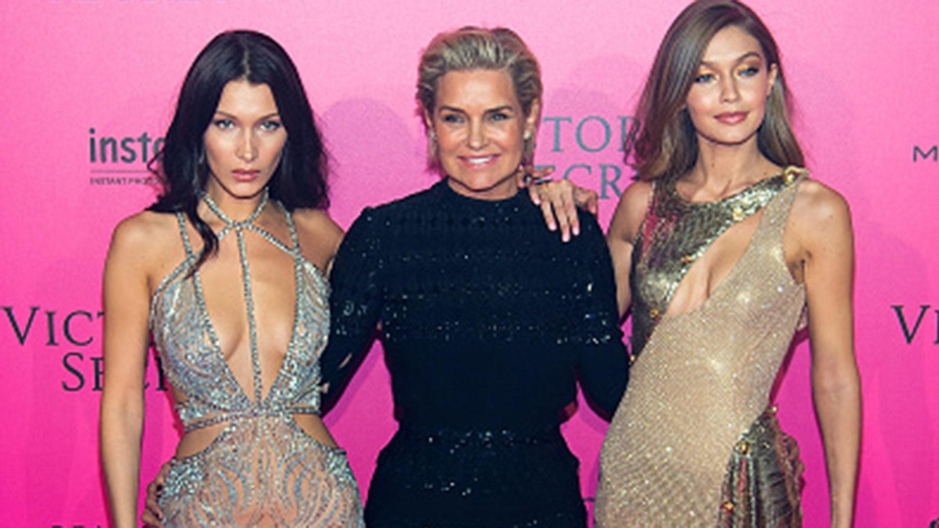Bella, Yolanda and Gigi Hadid at Le Grand Palais on November 30, 2016 in Paris.