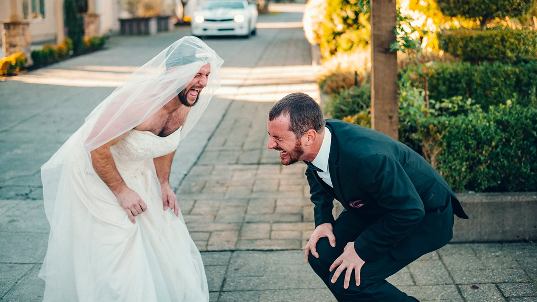 """A best man surprised the groom by trading places with the bride for the """"first look"""" photo."""
