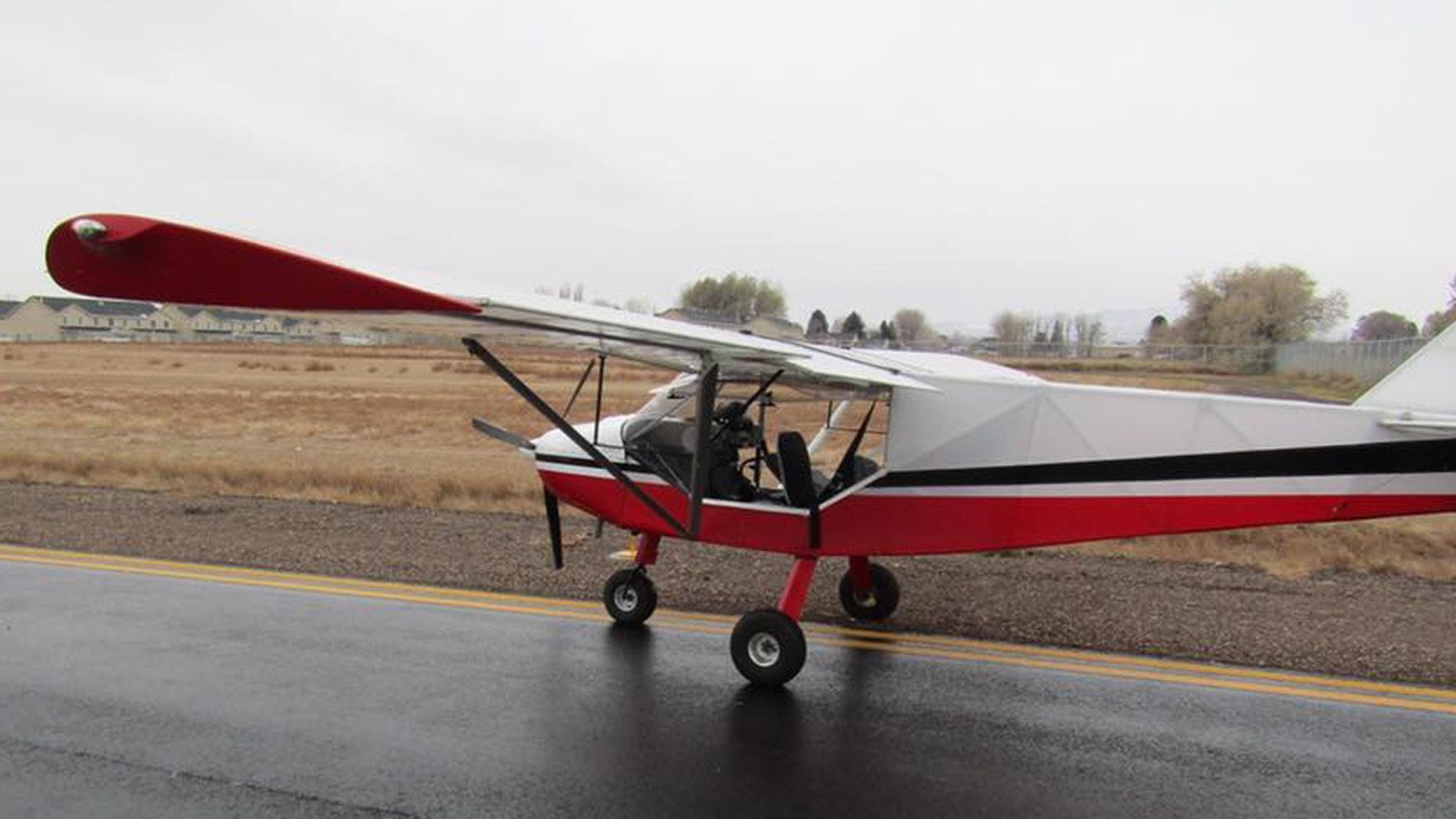 美国两名小男孩偷飞机回老家 飞行15英里后被捕